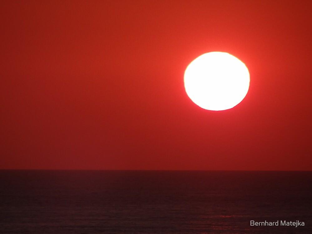 Bright Shining Sun - Red Sky  -  Sol Brillante - Cielo Rojo by Bernhard Matejka