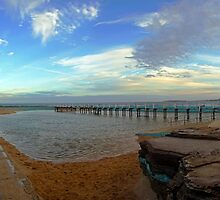 North Narrabeen Rock Pool by Doug Cliff