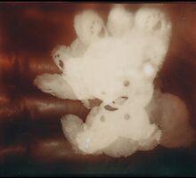 (teddy)bear claw by Jill Auville