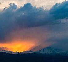 Dance of Light and Clouds by nikongreg