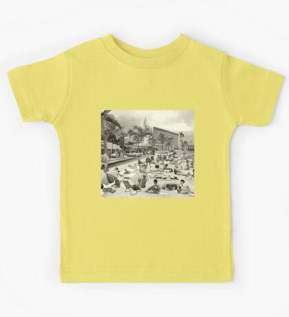 La Verne Beach - 1958 Kids Tee