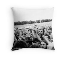 Foo Fighters - Milton Keynes Bowl 2nd July 2011 Throw Pillow