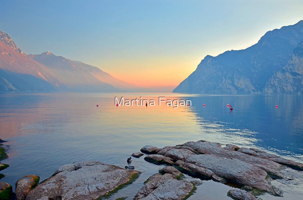 Luce della sera sul Lago di Garda by Martina Fagan