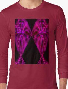 kiss me 1b Long Sleeve T-Shirt