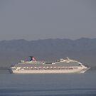 A Cruiseship is coming in - Un Crucero viene by PtoVallartaMex