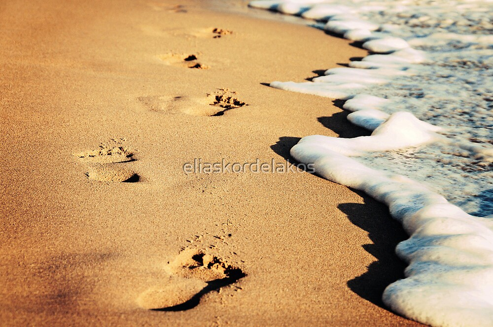 Footsteps on the beach by eliaskordelakos