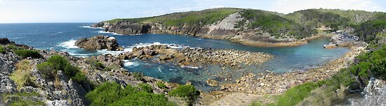Panorama of Kianinny Bay, Tathra, Australia by Stephen  Shelley