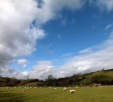Manifold Valley near Rushley Bridge by Paul  Green