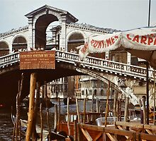 Rialto Bridge - Venezia by Gilberte