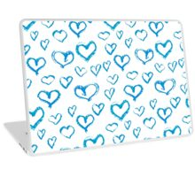 Blue and white chalk pattern of hearts Laptop Skin