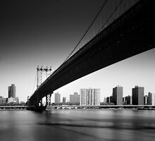 NYC: Manhattan Bridge by Nina Papiorek
