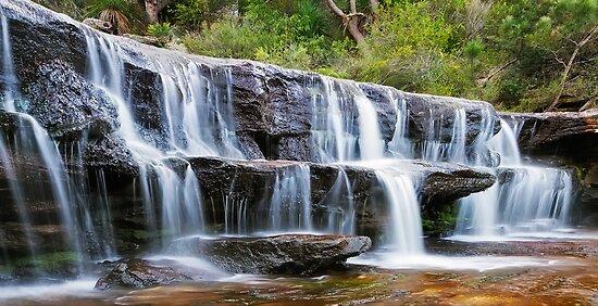 Wattamolla Creek by Mark  Lucey