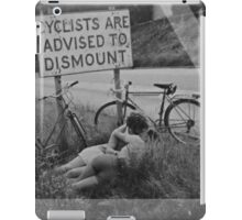 OVERFIFTEEN ROAD SIDE PASSION iPad Case/Skin