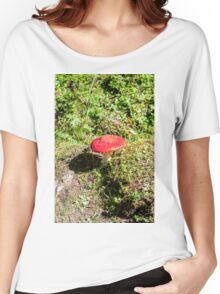 Classic red and white potted toadstool. Fly agaric or Fly amanita (Amanita muscaria) Women's Relaxed Fit T-Shirt