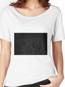 A pair of roses in black Women's Relaxed Fit T-Shirt