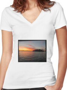 Rocket Powered Island Women's Fitted V-Neck T-Shirt