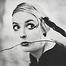 Blackbird VI by Trish Woodford