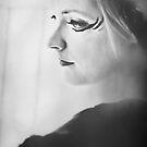 Blackbird VII by Trish Woodford