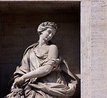 Statue de l'Abondance - Fontaine de Trevi, Rome by MickP