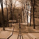 Montmartre by Geoff  Hargreaves