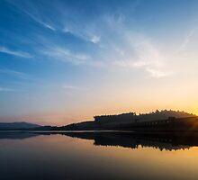 Clatteringshaws Dam at Sunrise by derekbeattie