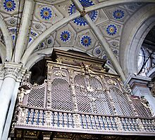 organ pipes in duomo by Anne Scantlebury