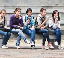 5 girls eating by Anne Scantlebury