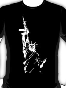 Statue of Liberty with m4a1 T-Shirt