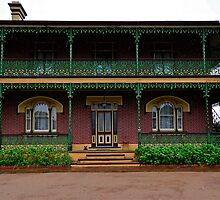 Historical Colonial Homestead. by Julie  White