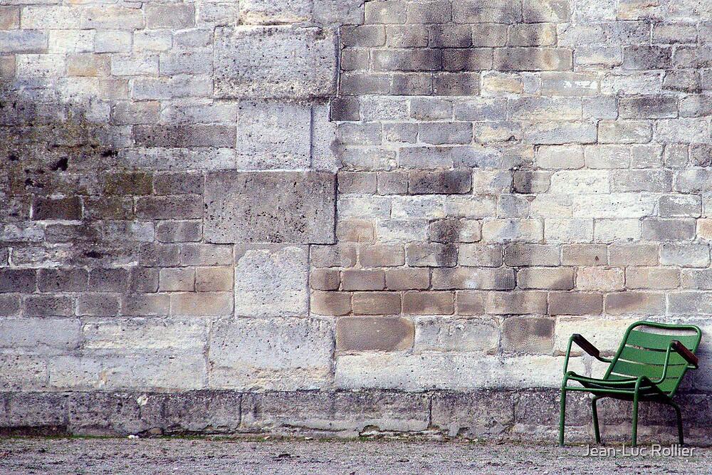 Paris - Au pied du mur. by Jean-Luc Rollier