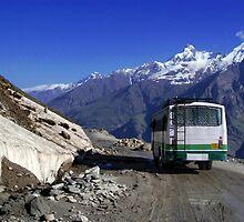 Bus Descending Rhotang Pass by SerenaB