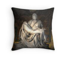 Pietà (1498–1499) (Michelangelo) Throw Pillow