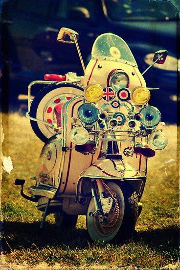 Vintage Scooter by Yhun Suarez
