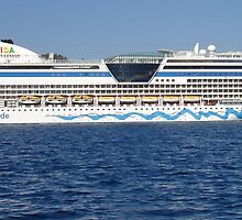 Aida Cruise Ship by taiche