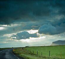 Crazy views of Iceland,  Seljalandsfoss. by Cappelletti Benjamin