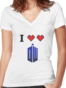 I love love Doctor Who Women's Fitted V-Neck T-Shirt