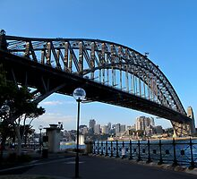 Sydney harbour bridge by Anne Scantlebury