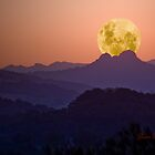Dusty Moonset by Gavin Lardner