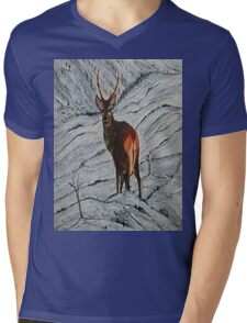Stag in winter Mens V-Neck T-Shirt