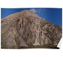 House Dwarfed by Mountain way to Thorung Phedi Poster
