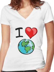 I heart earth Women's Fitted V-Neck T-Shirt