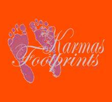 KARMAS FOOTPRINTS (PINK) Kids Tee