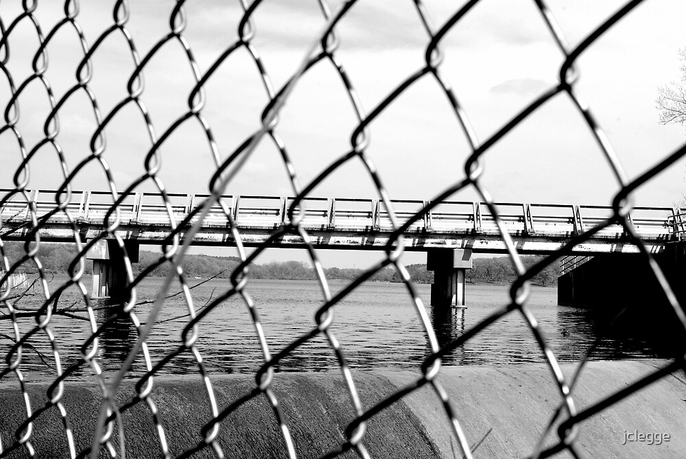 Through the chain links by jclegge