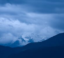 Hidden mountain by Ian Middleton