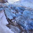Glacier closeup  by zumi