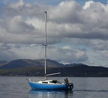 Sailing down the Clyde by wjohnd