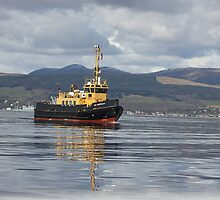 Working boat on the Clyde by wjohnd