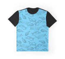 Sea turtle swimming through blue Graphic T-Shirt