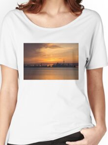 First Sun Rays - Toronto Skyline at Sunrise Women's Relaxed Fit T-Shirt