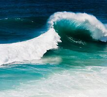 The Wave - North Stradbroke Island Qld Australia by Beth  Wode